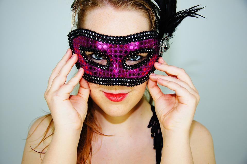 Unperfekt ist sexy – oder möchtest du dich dein ganzes Leben lang hinter einer Maske verstecken?