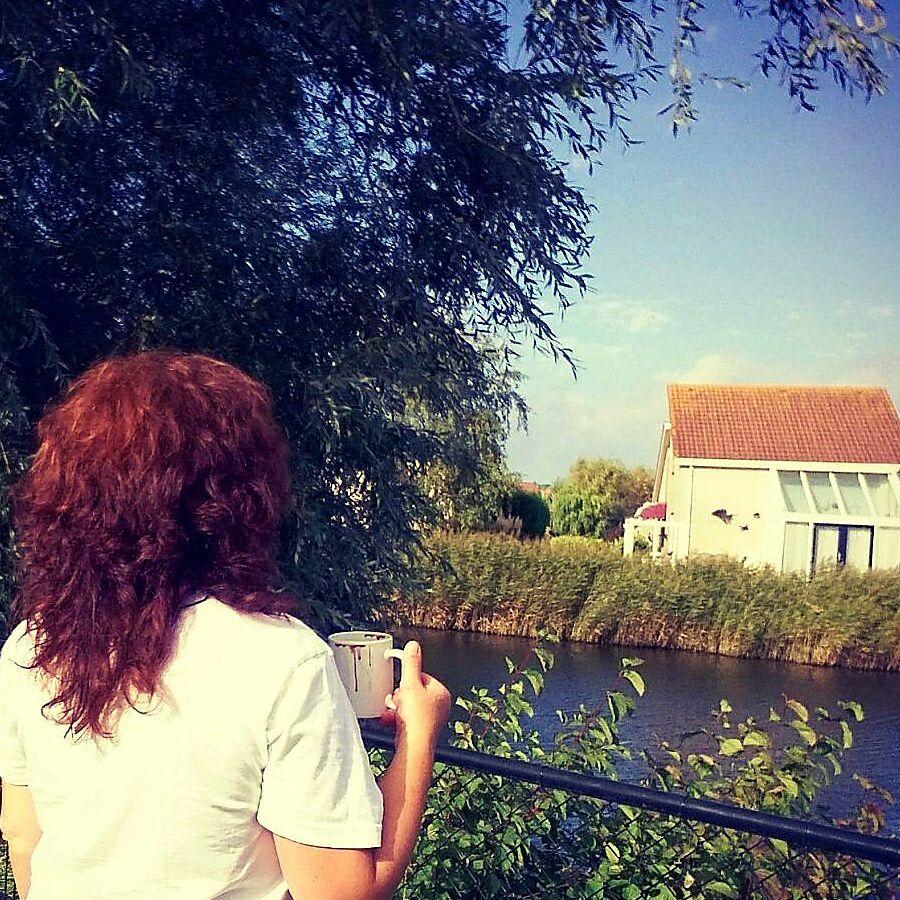 Gabi im Garten in Holland